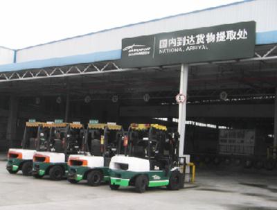 广州白云机场采购杭州叉车案例