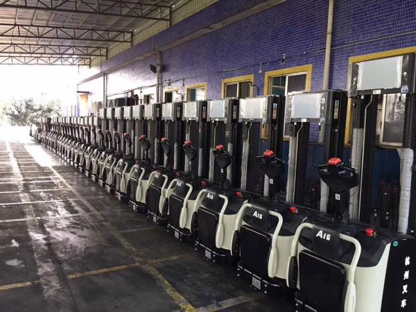杭州叉车   电动堆高车质量判断,需要从这几方面入手!