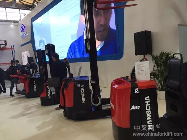 杭州叉车   电动堆高车能使用多长时间?