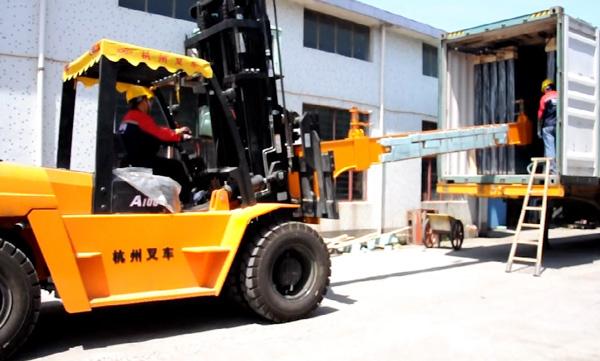 玻璃行業,杭州叉車串桿屬具卸貨實拍案例