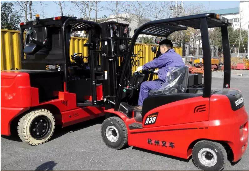 关于叉车的7个冷知识:蓄电池叉车到底比柴油叉车省多少钱?