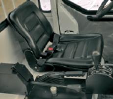 标配全浮式驾驶室
