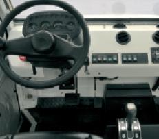 视野开阔的驾驶室