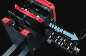 5.电池组采用抽拉式设计,可快速更换蓄电池-杭州叉车